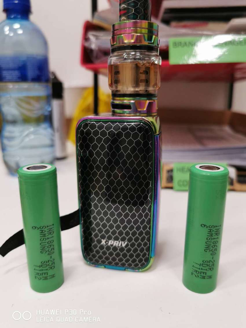 Smok Xpriv with 2 samsung 25r batts and a half bottle of juice.   R900 0
