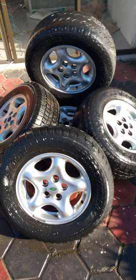 Land rover discovery 2 alloy rims and tires X5