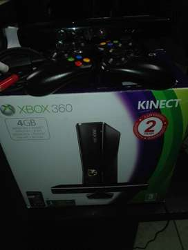 XBOX 360s Console + Kinect + 2x Controllers + 8 Games. Come inside Box