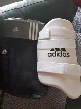 Cricket kit //Open to offers