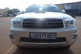 2011 Toyota Fortuner 3.0 D4D SUV 85,000km Family Car Manual LIBERTY