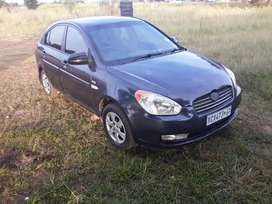 Selling a hyundai accent 2008 model.1.6 petrol saver