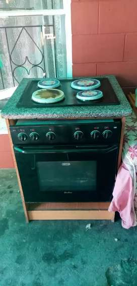 Built in DEFY stove and oven R1500 whatsapp me