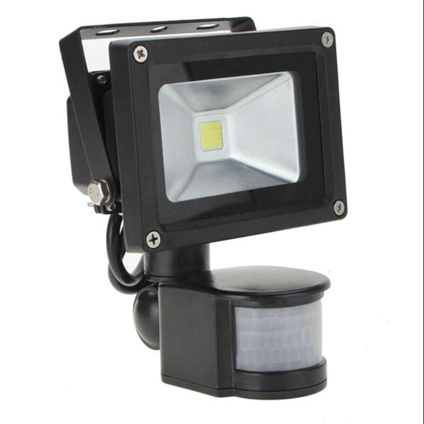 10W MOTION SENSOR FLOOD LIGHT 0