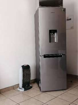 SAMSUNG FRIDGE 330L in perfect condition ON SALE