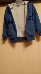 Bardzo ciepła bluza na kożuszku z kapturem 134-140cm