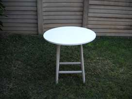White painted round table