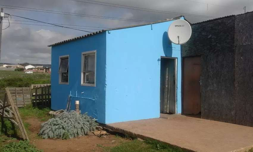 Newly Painted X31 House for Sale 0