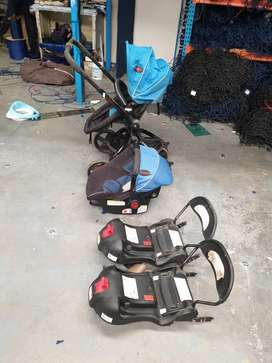 Chelino twister travel system with 2 isofix bases