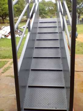 Loading ramps for cattle