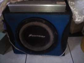 Pioneer sub with 4000w Amp