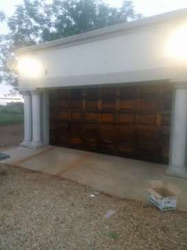 Tanzanite garage doors supply