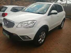 2014 white ssangyong engine capacity D2.0 T