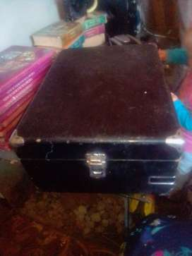 Portable phonograph CASE only