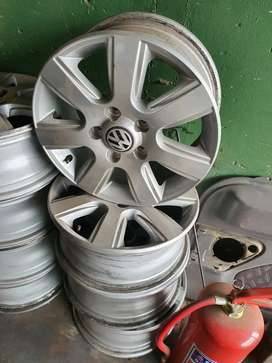 Amarok 16 inch rims for sale