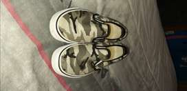 2 pairs of vans sneakers 1