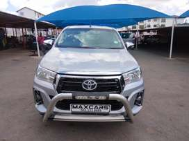 2017 silver Toyota Hilux 2.4 Gd-6 extra cab  4*2  Manual transmission