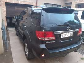 Toyoat fortuner 4×4 d