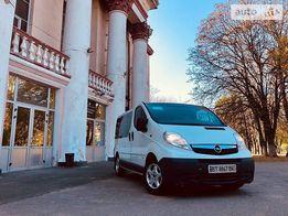 Opel Vivaro 2.0 пассажир 2010 год продажа или обмен