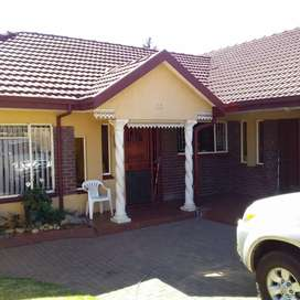 A lovely 3 bedrooms house to let