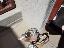 4 Pairs Ladies Shoes Size 6