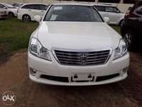 Toyota crown royal saloon fresh import new plate number 0