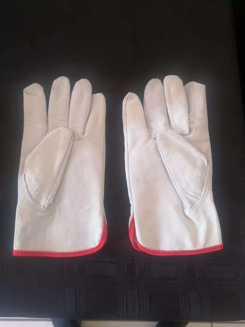 Gloves 70 rand a pair 0