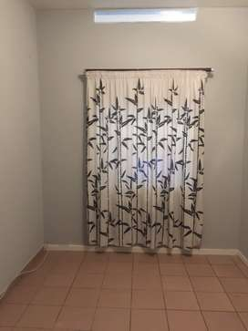 Room to rent in a two bedroom flat in Chrisville