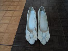 туфли жен.белые с бантом