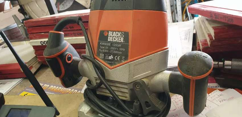 BLACK AND DECKER ROUTER 0