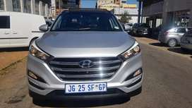 2018 Hyundai Tucson 2.0engine capacity Paranomic sunroof