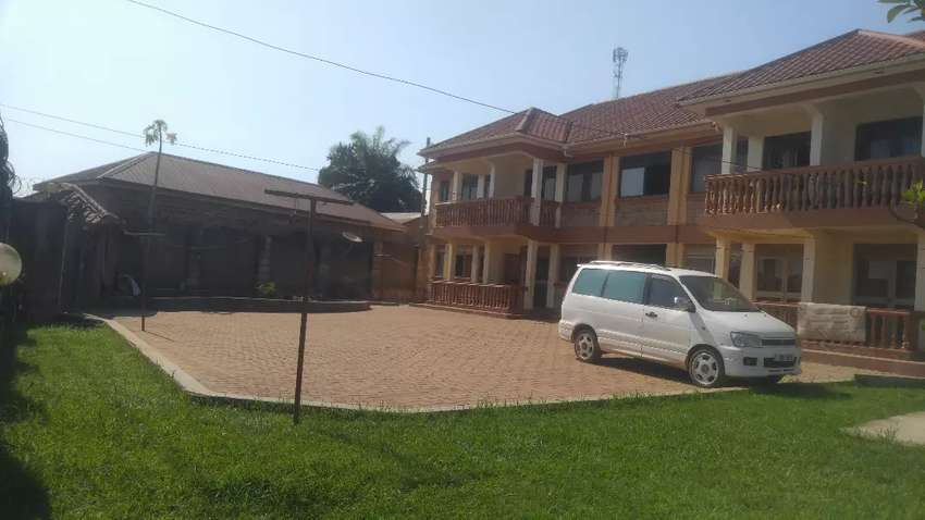 Remarkable value unbeatable location 3bed 2baths in Kireka Mbalwa 800k 0