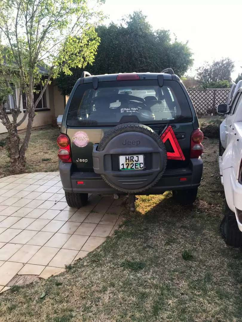 Jeep Cherokee sport stripping for spare parts 0