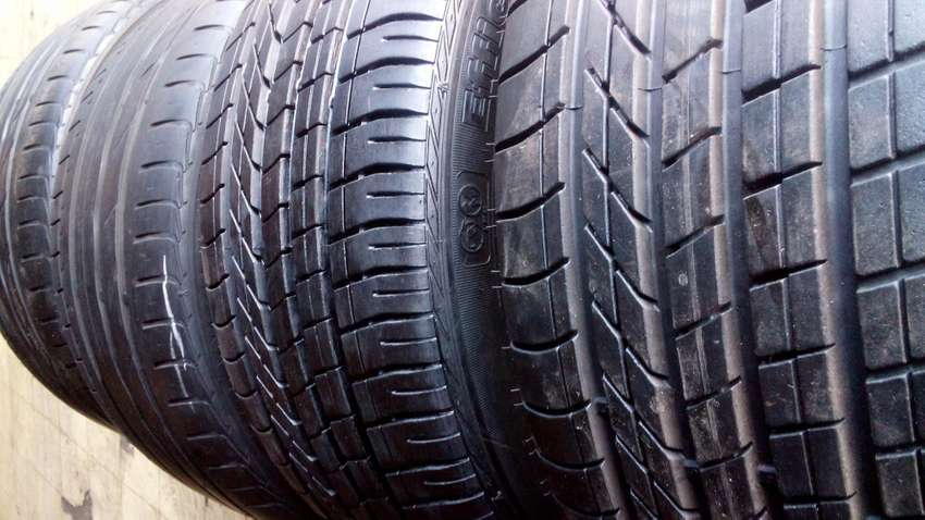 Set of 5 & 6 series BMW 19 inches tyres for sell 0