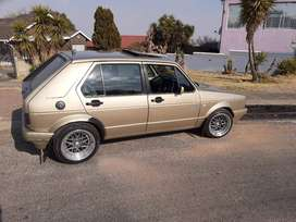 GOLF 1 1.6 LIFE FOR SALE IN SOWETO
