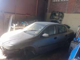 Complete astra g stripping for spares