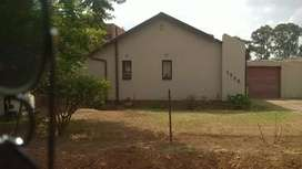 3 bedroom house for sale in lenasia south ext 1 R650 000 negotiable