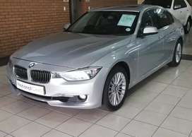 2012 BMW 320i Luxury Line