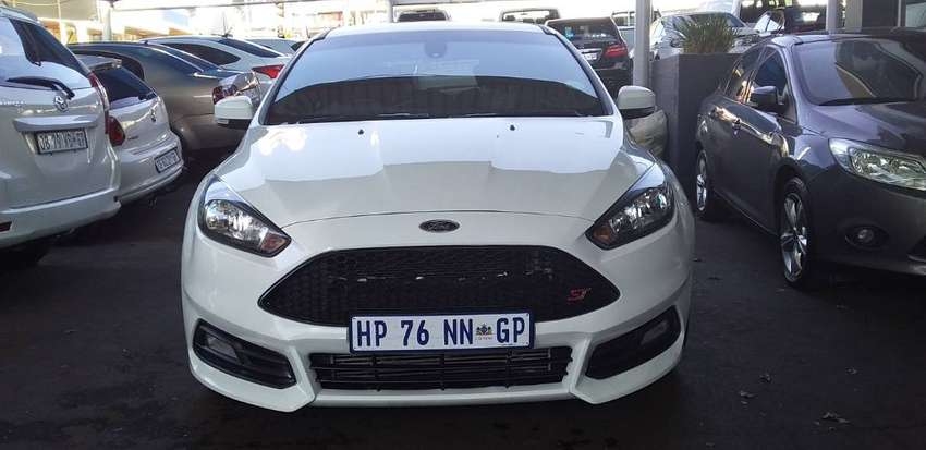 Used 2018 FORD FOCUS 2.0 ST 0