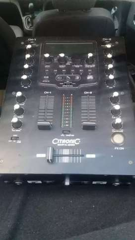 Citronic amplifier n mixer + 2 × 12 inch QTS speakers