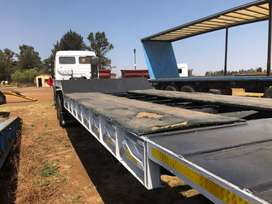 Lowbed tri axle trailer