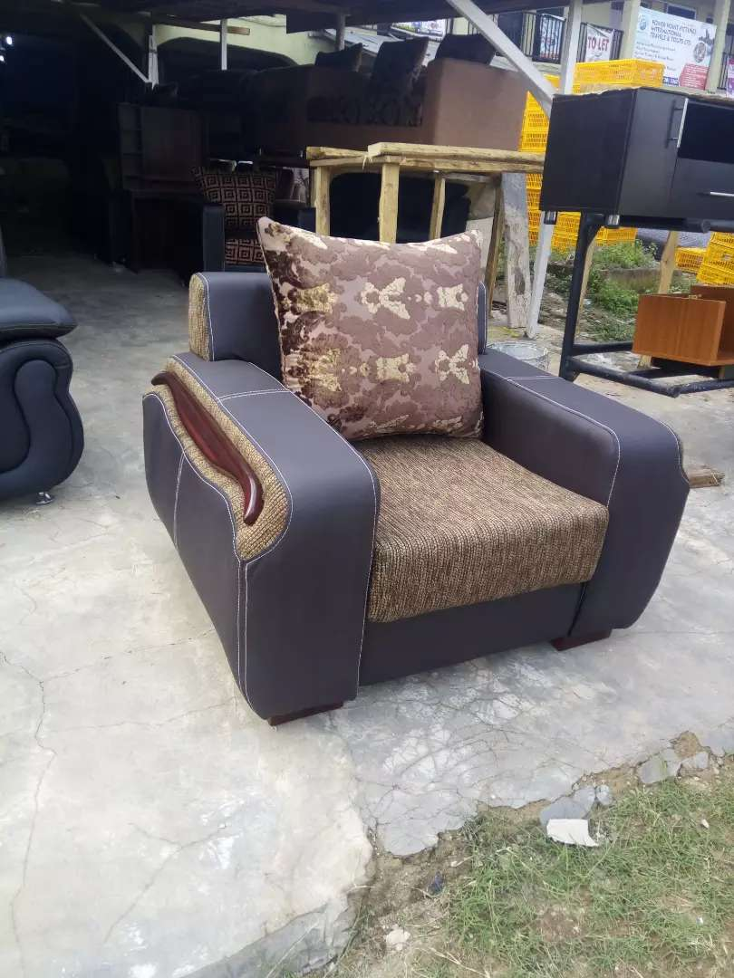 A good quality chair made up of quality foam 0