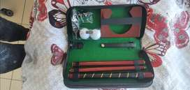 Golf Putting gift Set Kit with putter, 2pcs golf Balls, and Putting Cu