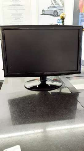 Mecer Computer Monitor