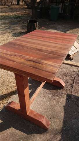 Kitchen chopping table