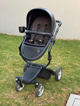 Mima stroller with carrycot and attacheable carseat