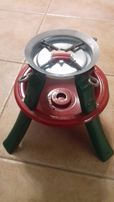 Świąteczny stojak na choinkę regulowany metalowy czerwony-zielony