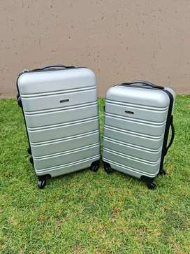 5 Luggage bags for sale
