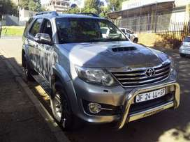Toyota Fortuner 3.0 4x2 d4d Automatic reverse camera