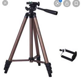 Looking for tripod R150